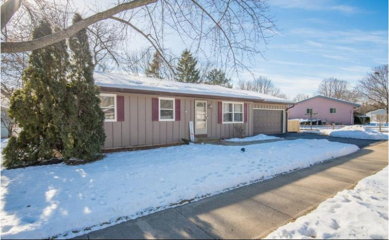 1513 Madison St Waukesha, WI 53188 by Exsell Real Estate Experts Llc $239,900