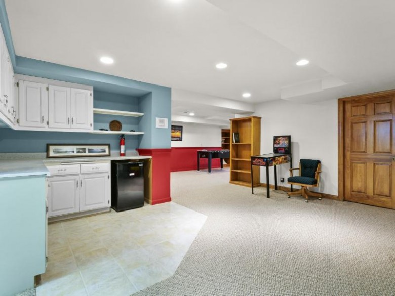 N24W30762 Fairway Ct Pewaukee, WI 53072-4737 by First Weber Real Estate $660,000