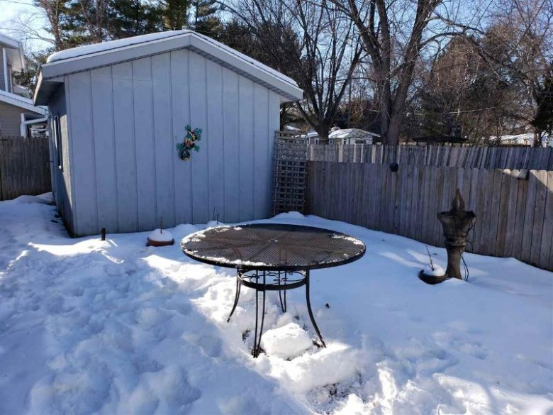 1802 W Main St Stoughton, WI 53589 by Coldwell Banker Success $228,000