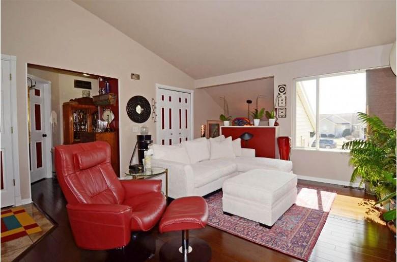321 Douglas Dr, Brooklyn, WI by Restaino & Associates Era Powered $250,000