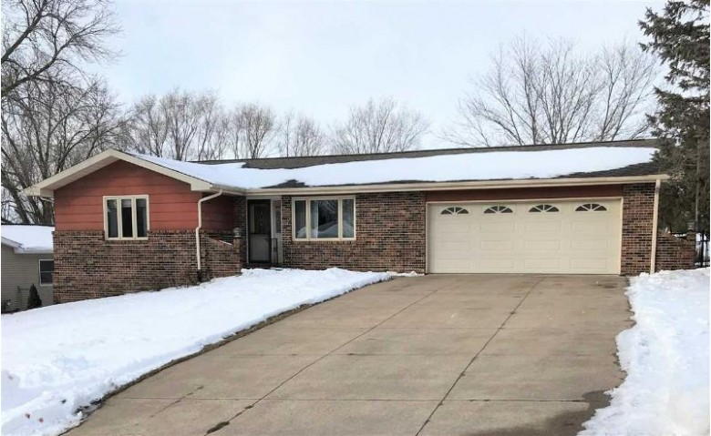 110 Moonlight Dr, Platteville, WI by Sold By Realtor $221,500