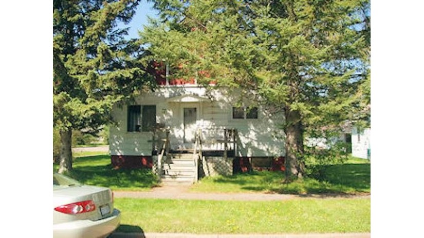 584 6th Ave S Park Falls, WI 54552 by Birchland Realty, Inc - Park Falls $12,900
