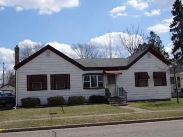 213 First St N, Eagle River, WI 54521