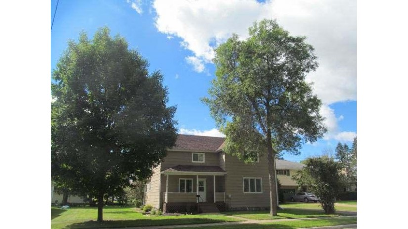 107 9th Ave Antigo, WI 54409 by Season To Season Properties $62,500