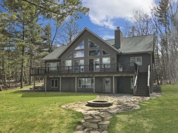 3726 Hemlock Ln, Washington, WI 54521