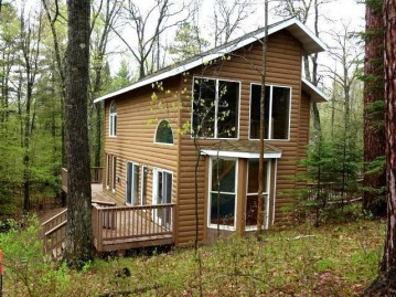 5700 Rolling Woods Dr, Lake Tomahawk, WI 54529