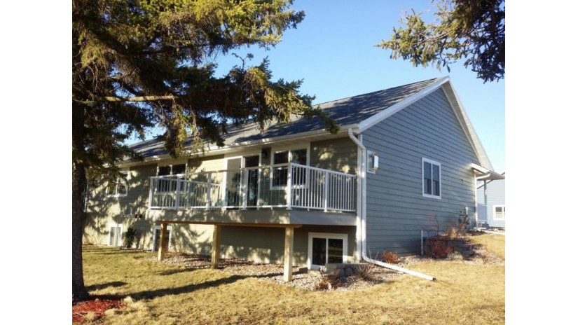 319 16TH FAIRWAY CIR Viroqua, WI 54665-0000 by United Country - Oakwood Realty $238,900