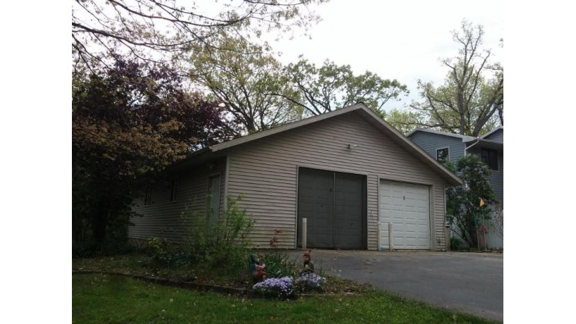 4027 Cardinal Ln Delavan, WI 53115 by Realty Executives - Integrity $249,900