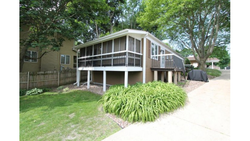 2501 S Browns Lake Dr H-1 Burlington, WI 53105-7928 by Bear Realty Of Burlington $92,500