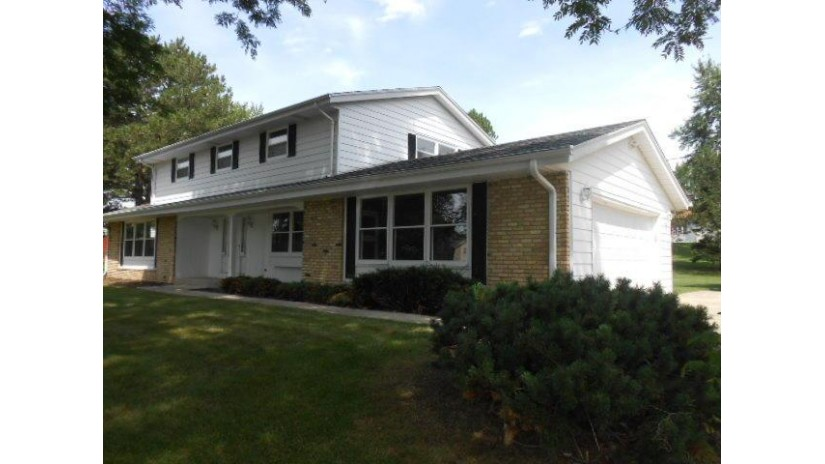 17510 Sierra Ln Brookfield, WI 53045-1334 by Coldwell Banker Homesale Realty - New Berlin $294,900