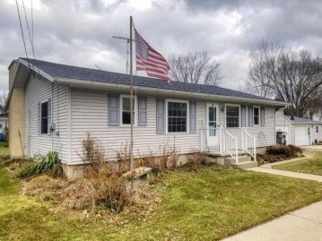 118 Forest St, Theresa, WI 53091