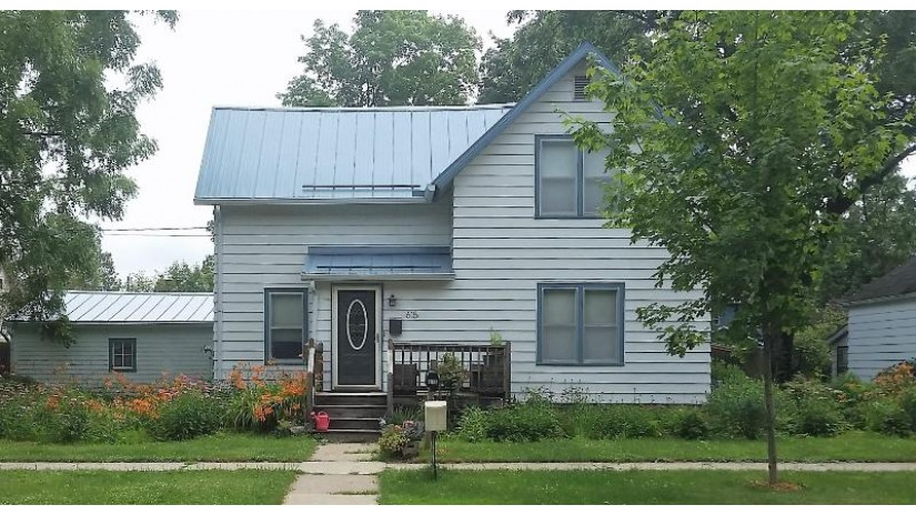 615 S Rusk Ave Viroqua, WI 54665 by Green Gate Realty $160,000