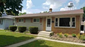 1118 13th Ave, Union Grove, WI 53182-1511