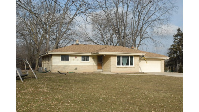 15134 W Rogers Dr New Berlin, WI 53151-2348 by Shorewest Realtors $265,000