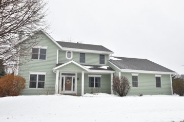 283 W Maple St, Grafton, WI 53024-2241