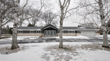 3607 South Ln, Caledonia, WI 53126