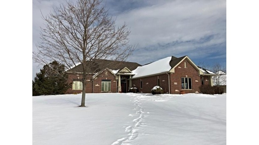 7588 S Joshua Ct Franklin, WI 53132-7904 by Realty Executives Integrity~brookfield $649,900
