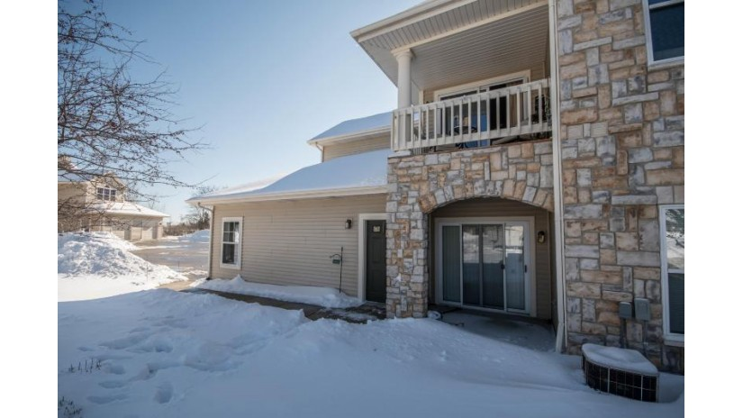 9399 S Cobblestone Way E Franklin, WI 53132 by Realty Executives - Integrity $169,900