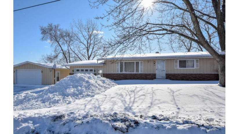 305 W Main St Twin Lakes, WI 53181-9221 by Shorewest Realtors $199,000