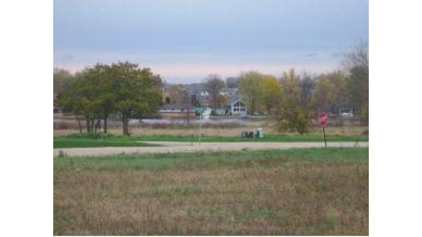 846 WHISPERING Way Omro, WI 54963 by First Weber Group $63,900