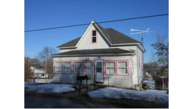 418 E 2ND ST Street Marquette, WI 53947 by Century 21 Properties Unlimited $40,000