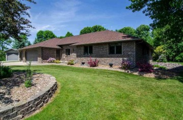 901 NIGHTINGALE Court, Pulaski, WI 54162-9237