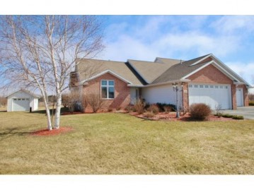 488 GLENVIEW Way, Little Suamico, WI 54141-8669