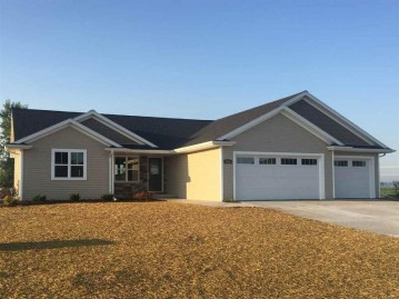 560 WENDY Way, Pulaski, WI 54162-7984