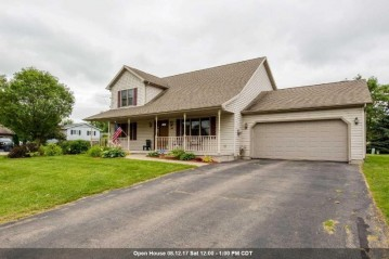 735 CLEMANS Court, Omro, WI 54963