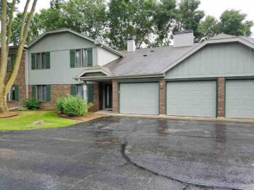 2962 MOSSY OAK Circle, Green Bay, WI 54311-5788
