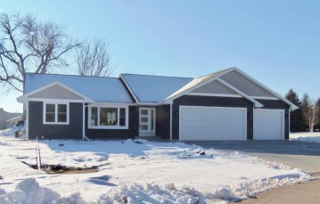 624 JULIUS Court, Omro, WI 54963-0000