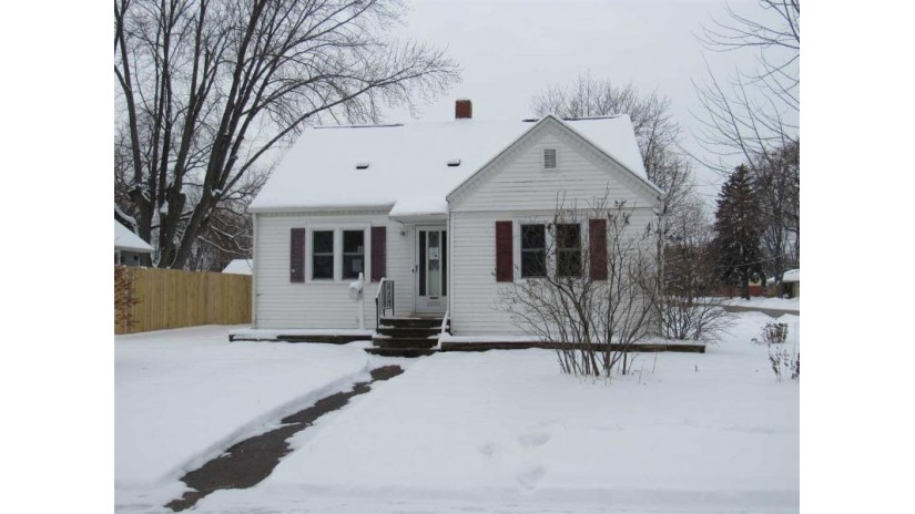 1100 14TH Avenue Green Bay, WI 54304-2532 by RE/MAX 24/7 Real Estate, LLC $114,900