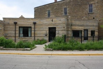 210 Commerce St, Mineral Point, WI 53565