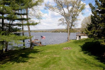W13628 Rausch Ln, West Point, WI 53555