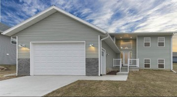1421 16th St, Baraboo, WI 53913
