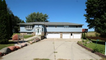 1306 Prairie Village Rd, Deerfield, WI 53531-9711