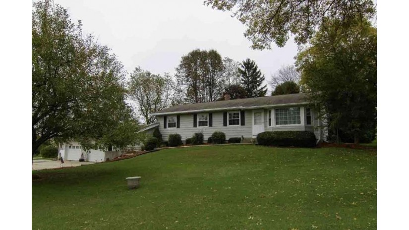 1149 E Lake Rd Mineral Point, WI 53565 by First Weber Inc $219,900