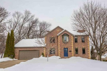 5764 North Hill Ct, Fitchburg, WI 53711