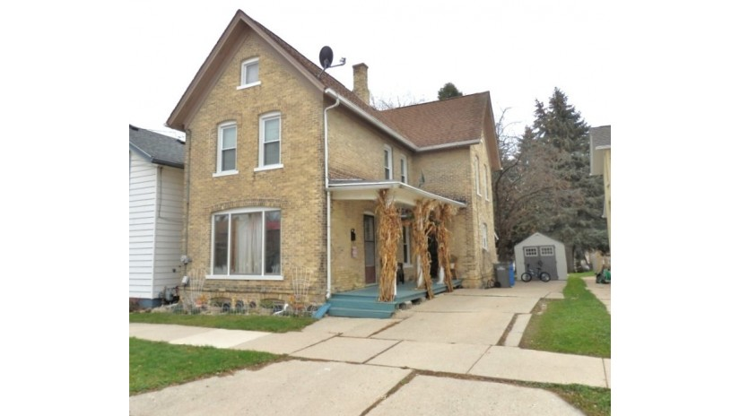917 N 4th St Watertown, WI 53098-2914 by Shorewest Realtors $112,500