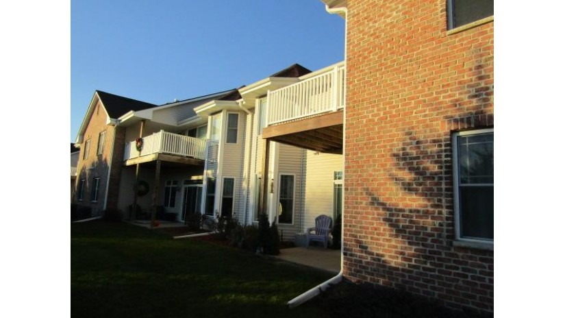 480 E VETERANS WAY #8 Mukwonago, WI 53149-2037 by Alliant Realty $189,500