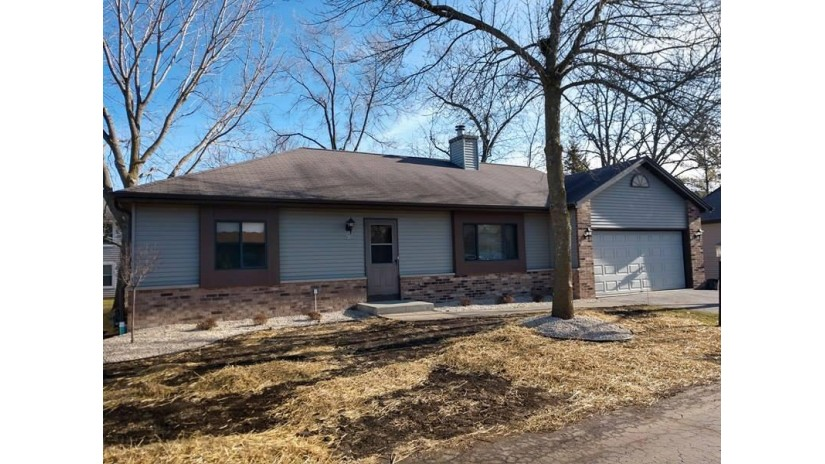 913 Park CIR 13 Union Grove, WI 53182-1067 by Realty Executives Unity $165,900