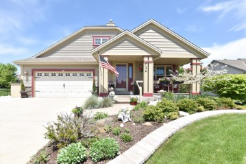 724 Bass Dr, Waterford, WI 53185-2899