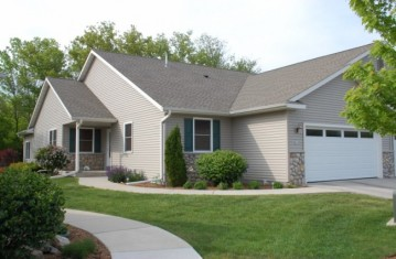 629 Trailview Crossing 22, Waterford, WI 53185