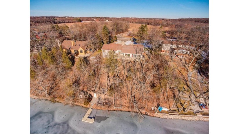 W288N8453 Northbay Rd Merton, WI 53029-9580 by Coldwell Banker Elite $750,000