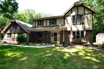 29400 Manor Dr, Waterford, WI 53185-1139