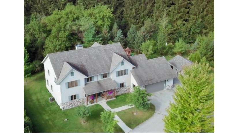 7617 County Road O Erin, WI 53027-9787 by Exsell Real Estate Experts Llc $659,900