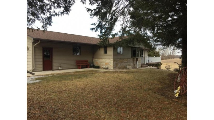 4021 County Road T Cato, WI 54230-8561 by Re/Max Port Cities Realtors $249,900