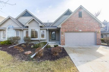 18715 Follett DR, Brookfield, WI 53045-6183