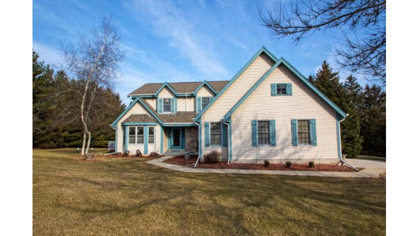 W367S9730 Charnwood Ln Eagle, WI 53119-1550 by Realty Executives - Integrity $331,900