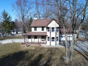 4420 Field Dr, Waterford, WI 53185-3998